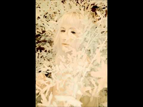 Zola Jesus - In Your Nature