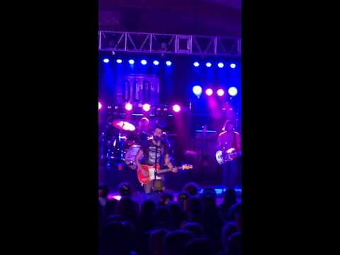 Still Writing Songs About You new Old Dominion 8-19-16 Wilmington, NC