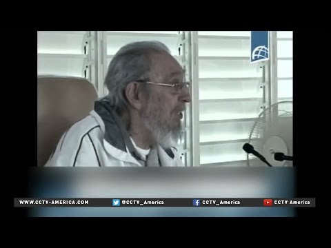 Fidel Castro makes rare public appearance at Havana school
