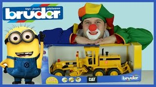 Toys Trucks & Diggers Cars for Children, Excavator & trucks at work for children - Bruder Grader