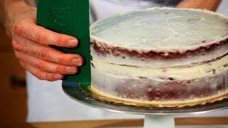 How To Crumb Coat A Red Velvet Cake   Cakes & Pies