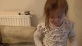 Little girl loves SEAGULLS! stop it now