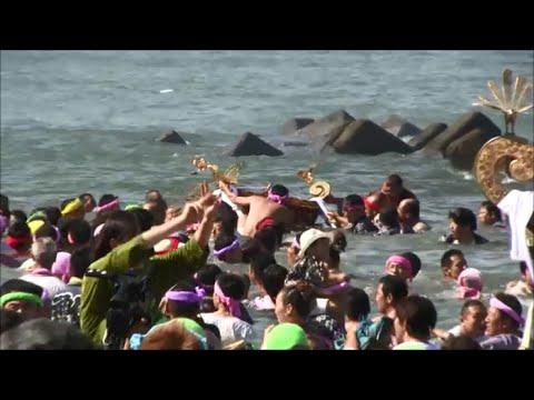 浜降祭2015 大ハプニング 神輿が海に沈んだ!!