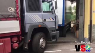Download lagu La manovra incredibile del camionista di Gandino