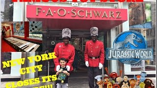 Famous FAO SCHWARZ Toy Store in NEW YORK CITY Closes its doors! Jurassic World BIG Piano Muppets!
