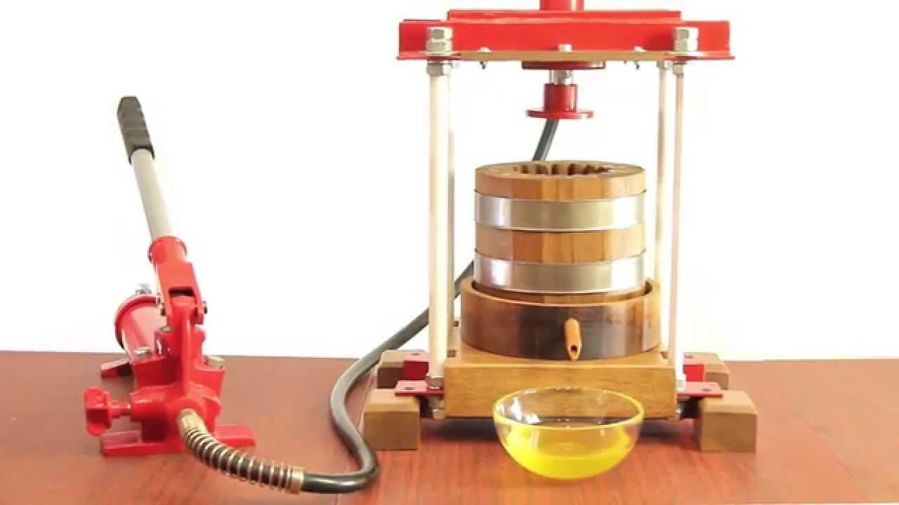 25 май 2016. Используется гидравлический пресс с воздушным компрессором, который облегчает ручной труд. Гидравлический пресс позволяет избежать нагревания сырья и масла. При других технологиях холодного отжима может происходить нагрев семечек и орехов до 120 градусов. Официально.