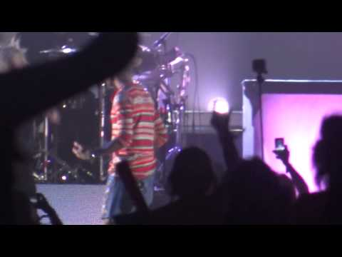 Pharrell Williams with Gwen Stefani - Hollaback Girl @ Coachella 2014 (2014/04/12 Indio, CA)