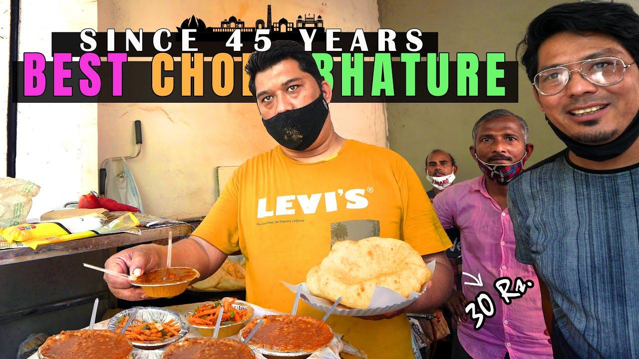 OIL FREE Chole Bhature @ Rs. 30    SHARMA Ji Chole Bhature Wale in Lajpat Nagar   Delhi Street Food!