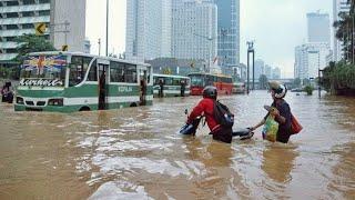 Jakarta banjir besar, korban berjatuhan.