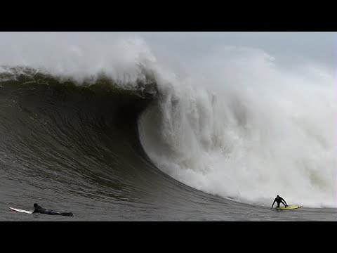 Big Wave Surfing Massive Mavericks - Dec. 20, 2014 CRAZY!
