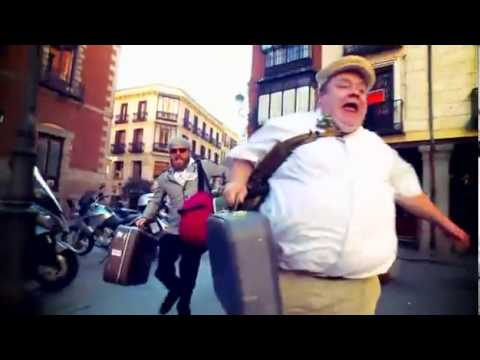 Intro Oficial De Jackass 3.5 Cancion: Plastic Bertrand - Ca Plane Pour Moi.