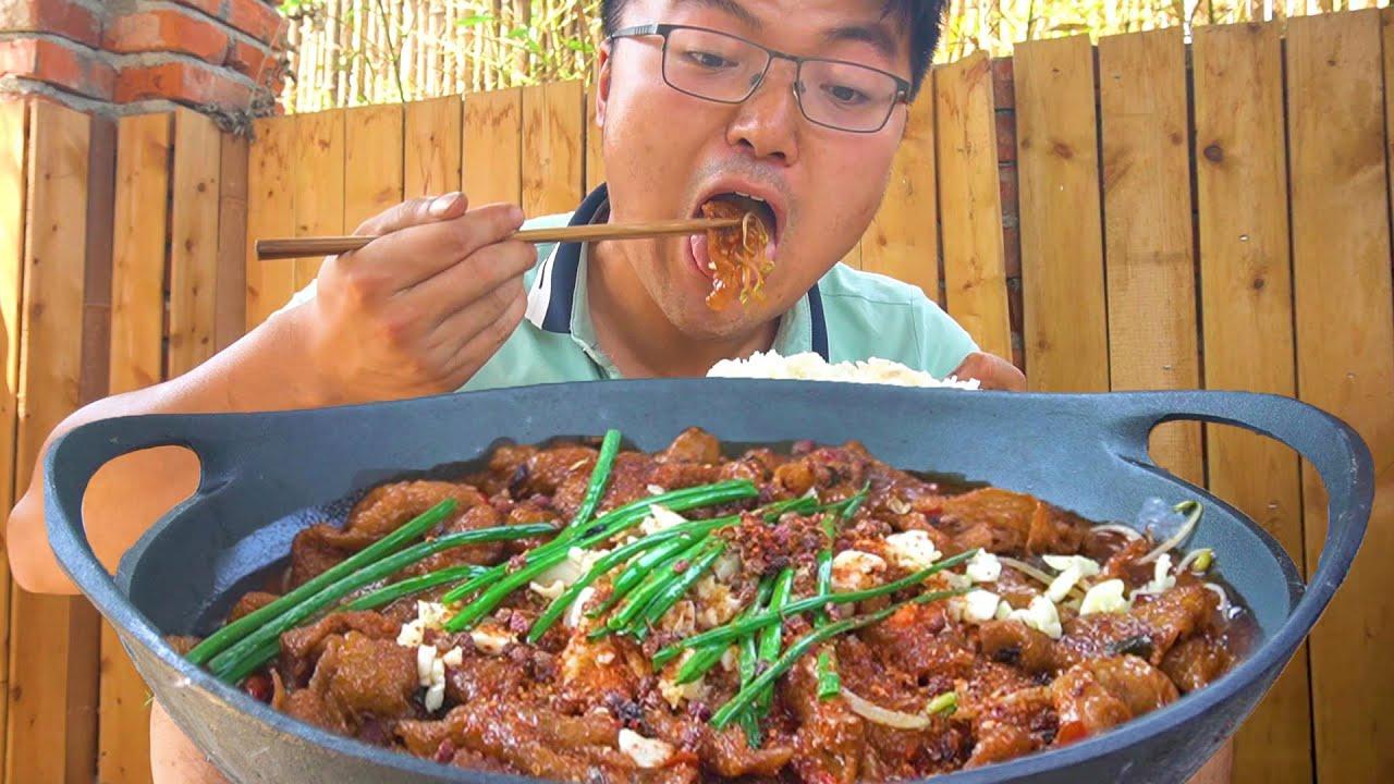 4斤鸡皮做一顿大餐,大sao自己吃独食,挂红油泡汤汁,太馋人了!【徐大sao】