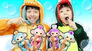 핑거몽키 원숭이가 공룡 칫솔을 숨겼어요.숨바꼭지 놀이 color song 양치 놀이 kids learns to brush teeth -Mashu ToysReview