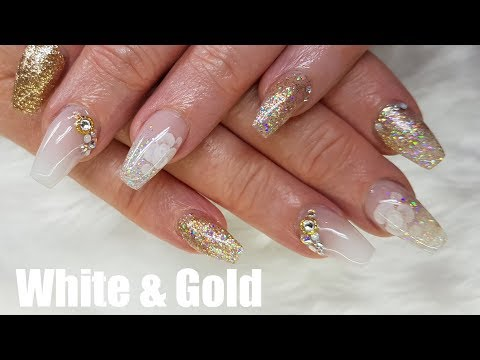 WHITE AND GOLD ACRYLIC NAILS DESIGN