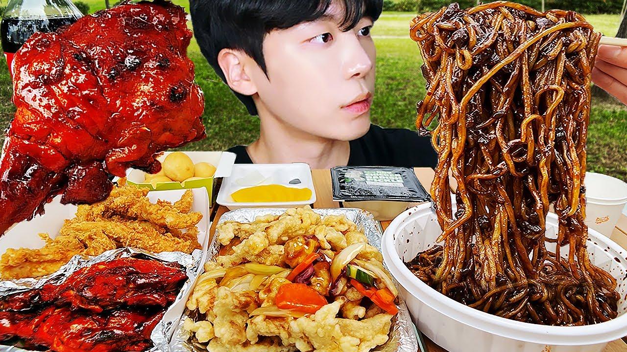 MUKBANG ASMR | 짜장면 & 양념치킨, 치킨, 치즈볼 야외 먹방 BLACK BEAN NOODLES & CHICKEN  Korea Street Food