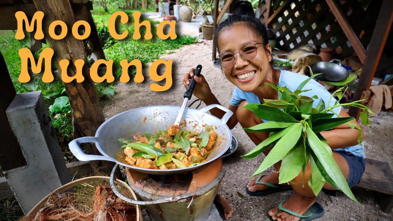 Muu Chamuang - Curry mit den Blättern des Cowa Baumes