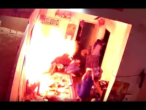 Terrible explosion accident when cooking with a portable gas (butane) stove