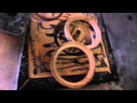 видео: 1 часть изготовления подиума из стекловолокна своими руками вместо задней полки в 2109