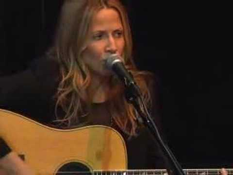 """Sheryl Crow - """"If It Makes You Happy"""" acoustic 2008"""