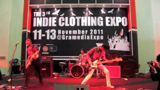 "Zorv - ""Each"" (Live @ 3rd Indie Clothing Expo)"