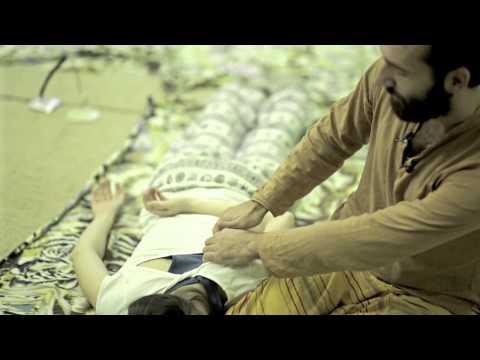 Видео урок массажа. Классический массаж спины – смотреть