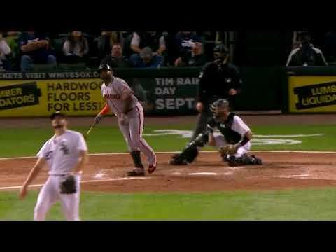 Pablo Sandoval hammers a three-run homer