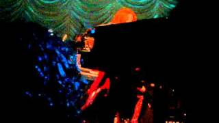 Tori Amos with Het Metropole Orkest: Girl Disappearing