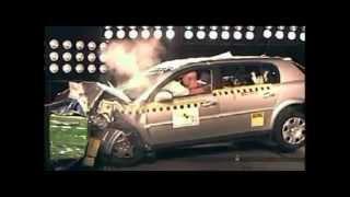 Crash test Opel Signum 2003