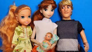 Baby brother ! Elsa & Anna toddlers- what's his name ? Barbie is the doctor