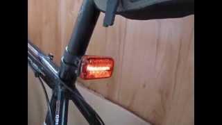 Видео Велосипедный задний габарит 5 светодиодов(мигалку светодиодную на ввелосипед купить можно тут http://velosvet.in.ua/veloakessuari/migalka-velosipednaya/, 2014-06-26T10:08:09.000Z)