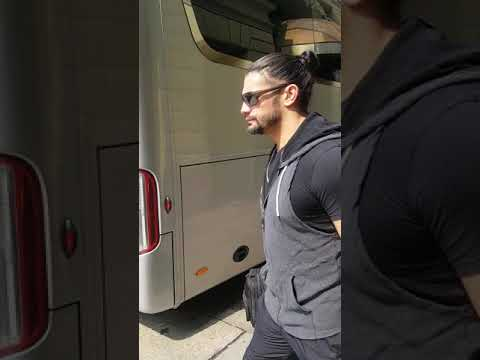 Roman Reigns post show WWE Live Turin