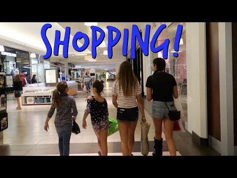 BEST FRIENDS SHOPPING AT THE MALL TOGETHER! ELIZABETH WANTS A TAN!