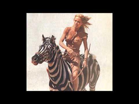 Tanya Roberts: Escenas con caballo pintado de cebra 1984