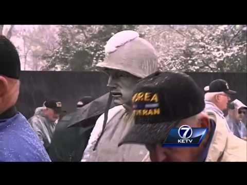 Korean veterans visit war memorial