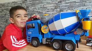 Concrete Mixer Toys Construction Bruder toys truck mixer unboxing By Dlan's Toys