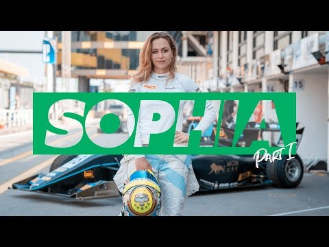 VLOG #24 - My Macau Grand Prix comeback in formula 3 part 1 (sophia floersch)