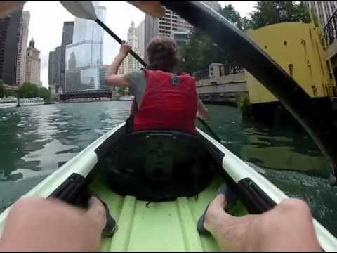 Canoeing on the Chicago River, Chicago