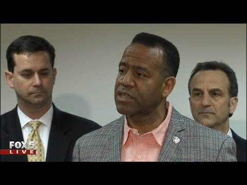 Kelvin Cochran announces Federal lawsuit against city