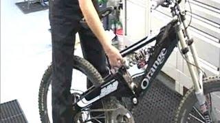 Настройка подвески велосипеда(Двое лучших веломехаников в мире доходчиво объяснят, как настроить байк для максимально эффективного ката..., 2013-07-13T10:32:36.000Z)