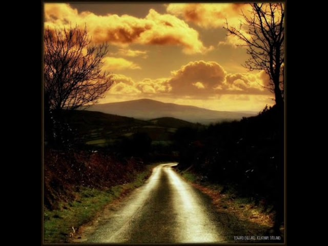 Irish Descendants Rocky Road To Dublin Chords Chordify