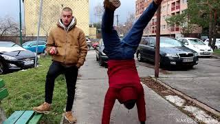 Stávka o 10 000€   NAKED BANANAS