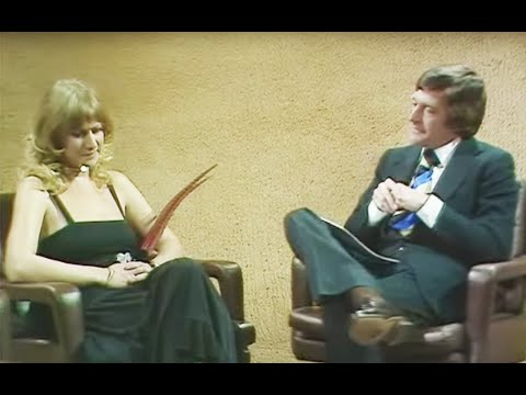 Classic Helen Mirren Interview Going Viral For Old School Sexism (VIDEO)