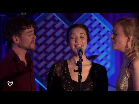 Lisa Hannigan - Anahorish (Live from Berlin) on YouTube