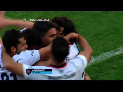San Lorenzo festejó en el final y sigue arriba