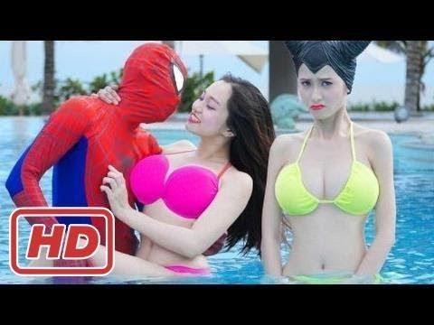 Người Nhện và Công Chúa Elsa ! Công Chúa Elsa ở Bể Bơi ! Phim Người Nhện Hài Hước Đời Thực