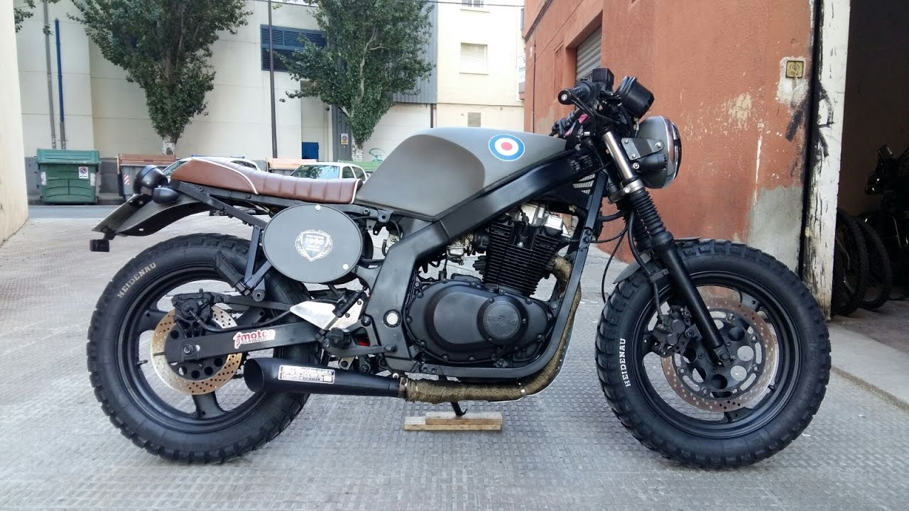 video presentaci n suzuki gs 500 by cafe racers tarragona. Black Bedroom Furniture Sets. Home Design Ideas