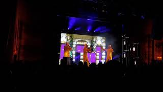 Fünf Sterne Deluxe - Intro/Fünf Sterne - Live im Columbia Theater Berlin, 23.11.2017
