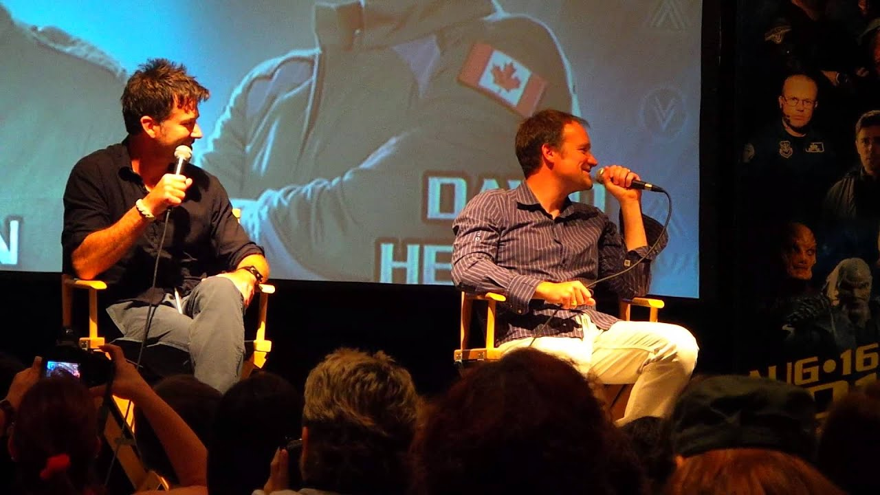 David Hewlett 2013 Joe Flanigan/Da...
