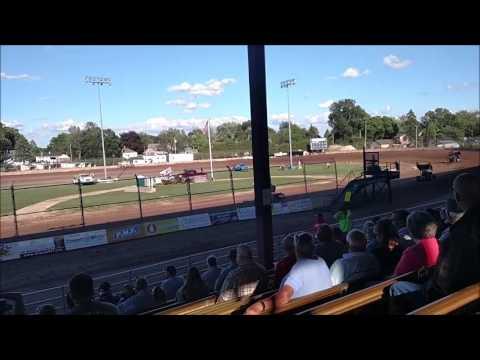 Plymouth Dirt Track Sprint Car Heat Races mp4 6 24 2017