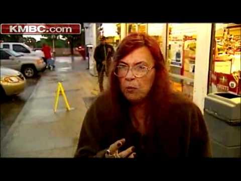 Clerk Pulls Gun, Scares Off Would-Be Robbers